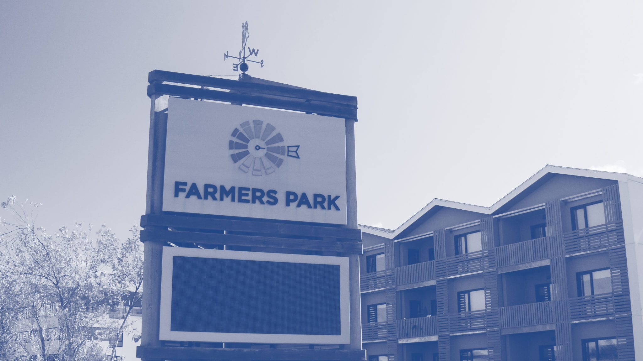 Farmers park sign with blue duotone